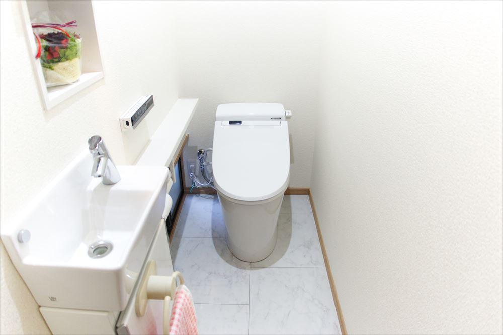 トイレ施工後_R
